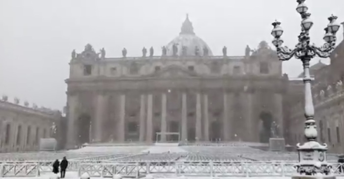 A rare snowfall covered the historic streets of Rome, and the photos are amazing