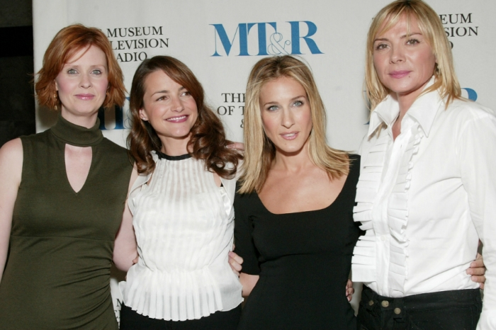 """In the midst of a feud, costars send """"love and condolences"""" to """"Sex and the City's"""" Kim Cattrall following the death of her brother"""