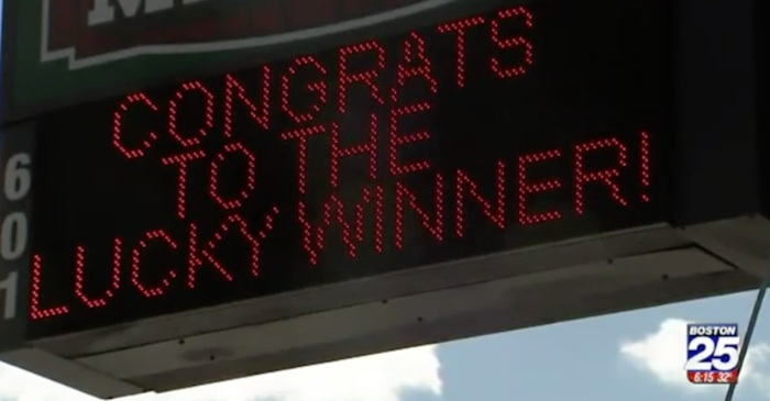 "Winner of a $559 million Powerball jackpot thinks she made a ""huge mistake"""