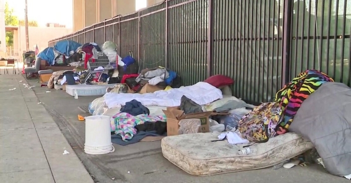 Houston residents living near homeless encampments still unsatisfied