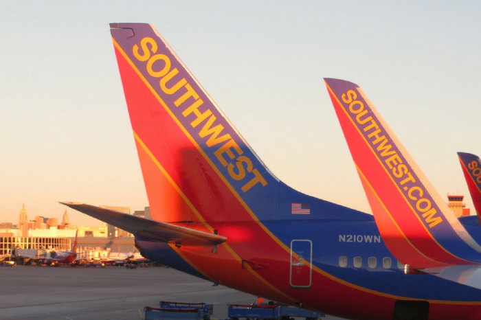 7 Popular Airlines Ranked from Best to Worst for Customer Service