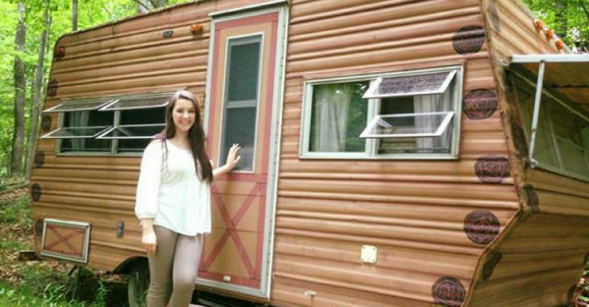 14-Year-Old Transforms 1974 Camper She Bought For $200