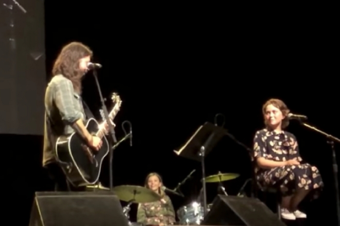 Watch Dave Grohl's Daughters Join Him On Stage for Charity Concert