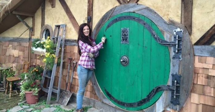 This Remodeled Hobbit House Will Make You Feel Like You Stepped into a Movie