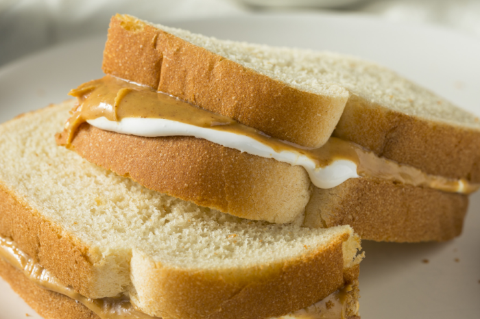 People are Losing It Over Peanut Butter and Mayo Sandwiches Existing