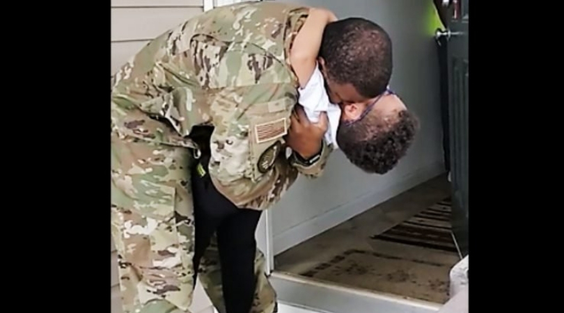 Military Dad Surprises 5-Year-Old-Son, And His Reaction Is Everything