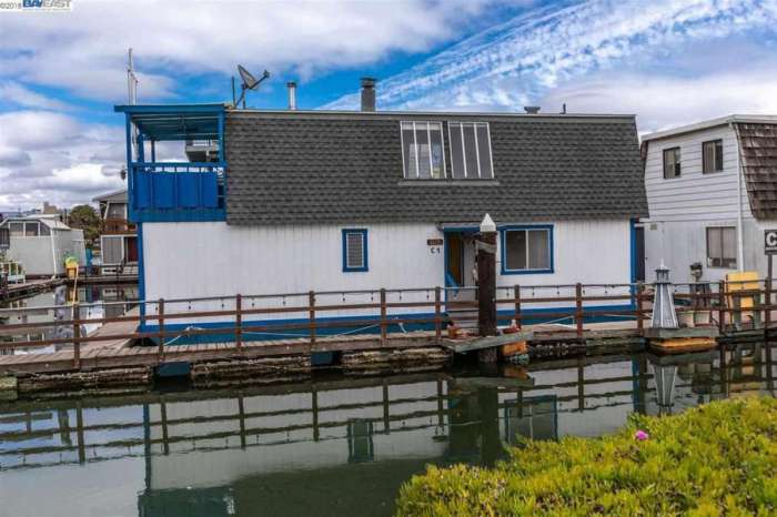 You Can Buy Tom Hanks' Childhood Houseboat for $600k
