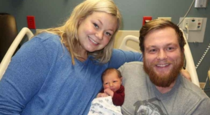 Pregnant Woman Performs CPR on Husband Before Giving Birth