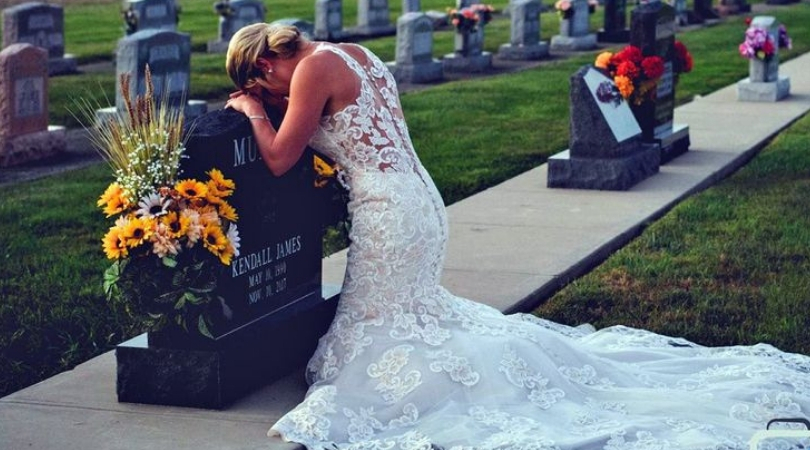 Bride Takes Wedding Photos Alone to Honor Fiancé Killed By Drunk Driver