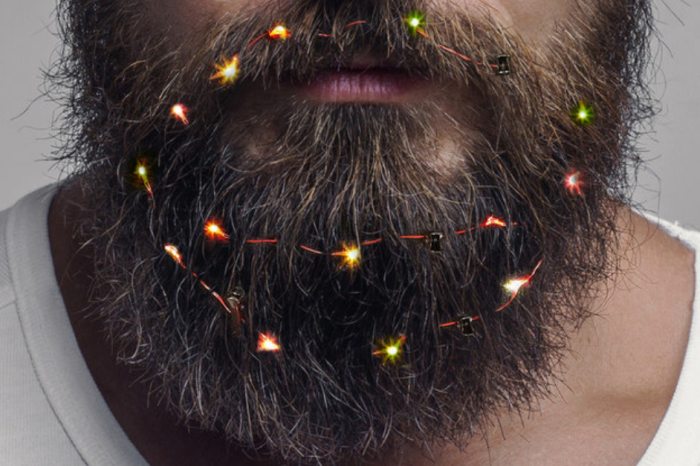 Men Are Putting Christmas Lights in their Beards this Holiday Season