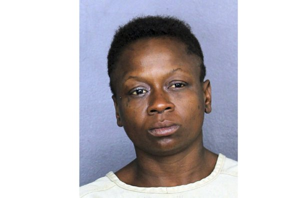 Florida Woman Farts in Line at Store, Tries to Stab Man Who Complained