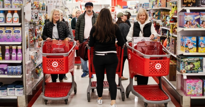 In Era of Online Retail, Black Friday Still Lures A Crowd