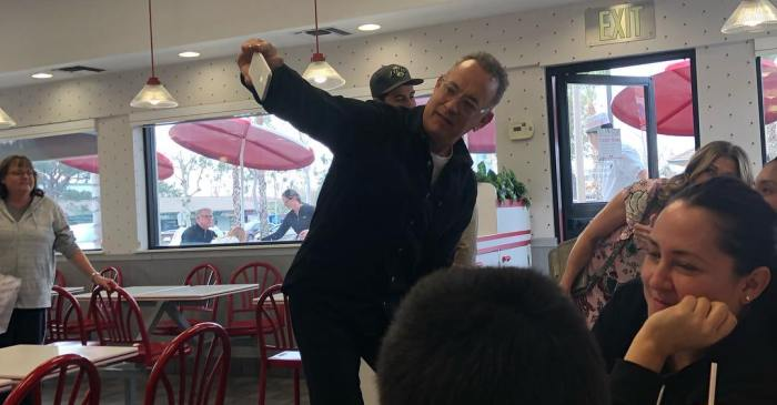Tom Hanks and Wife Rita Wilson Give Free Burger to Fans