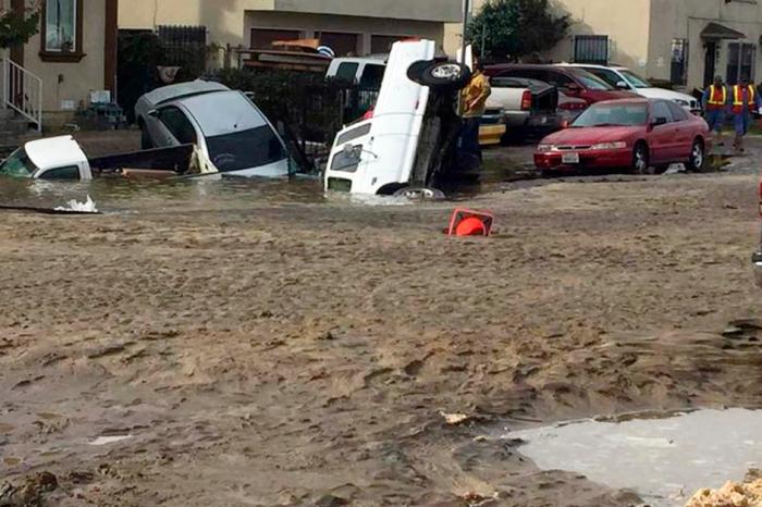 Broken Water Main Sends Serious Flood Waters Through L.A. Neighborhood