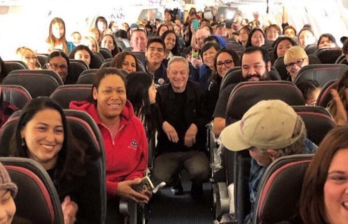 Gary Sinise Surprised 1,000 Children of Fallen Soldiers With A Trip to Disney World