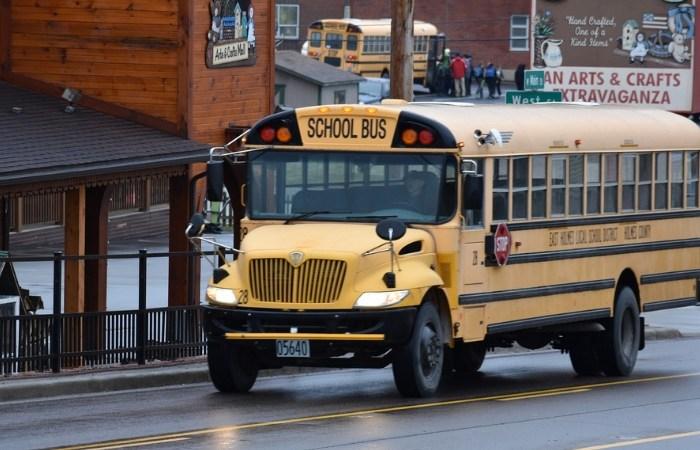 Man Beat Ex-Girlfriend School Bus Driver in Front of Bus Full of Kids