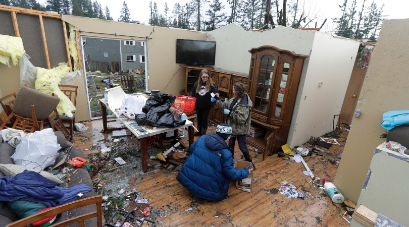 Rare Tornado in Washington Causes Heavy Damage, Strongest Since 1986