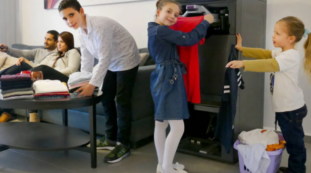 This Machine Folds Laundry For People Too Lazy to Do it Themselves