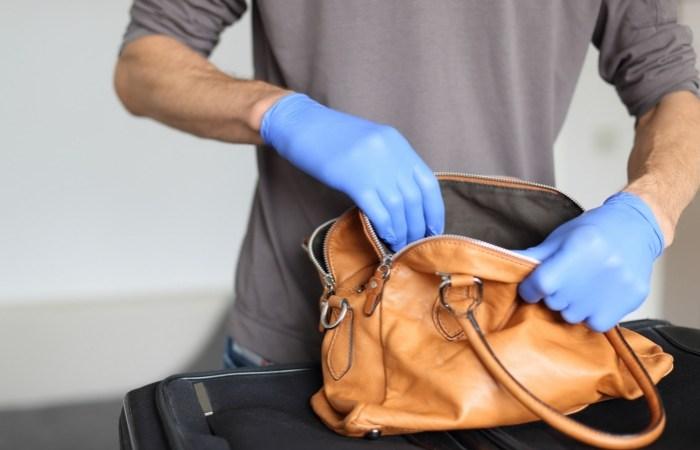 Passenger Carries Gun Through US Airport Security and Onto Flight