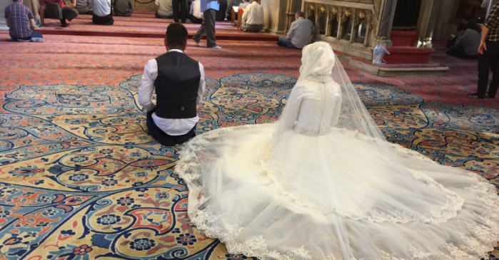 Marriage Ends 3 Minutes After Wedding When Bride Trips, Groom Calls Her Stupid, Bride Divorces Him