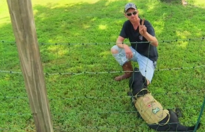 Man Puts Up Electric Fence to Keep Kids Off Lawn, Parents Furious