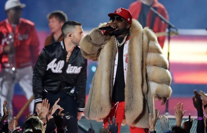 PETA Calls Out Super Bowl Halftime Performer For Wearing Fur Coat