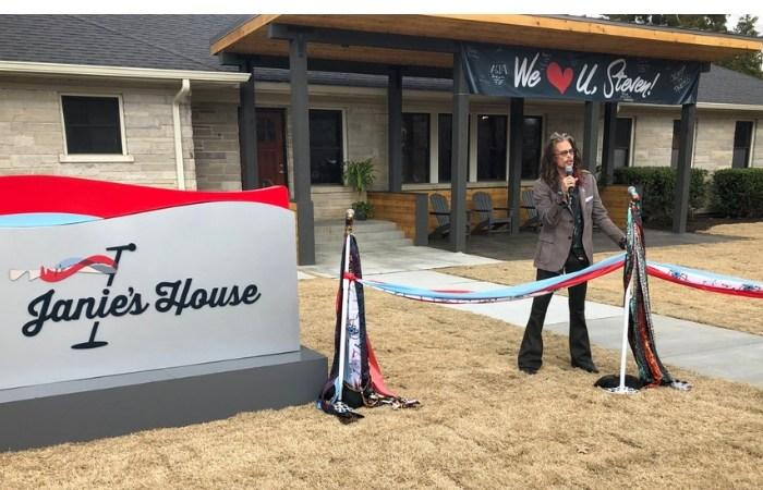 Aerosmith's Steven Tyler Opens Home for Abused Girls in Memphis