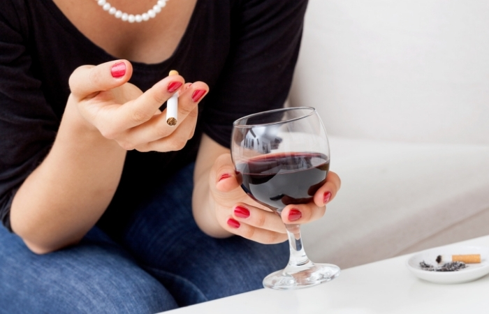 Study Shows Drinking A Bottle of Wine A Week Is The Same As Smoking 5 to 10 Cigarettes