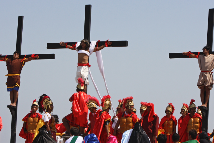 Filipino Christians Voluntarily Nailed to Crosses in Honor of Good Friday