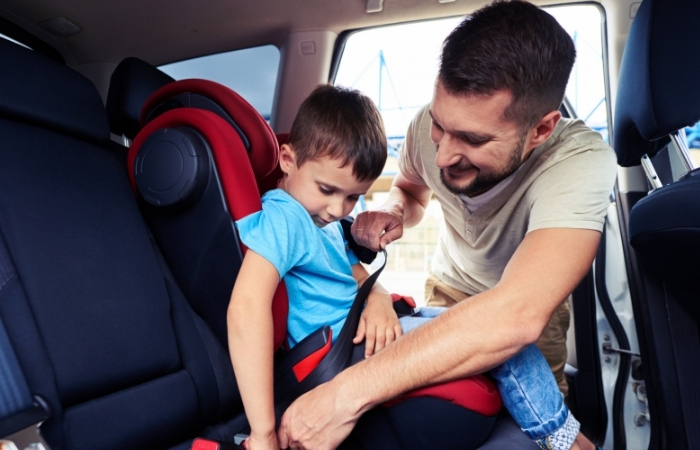 New Law Would Require Middle School Children To Use Car Seats