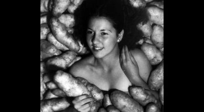 Miss Idaho 1935 Posing Naked with Potatoes: What's Really Going On Here