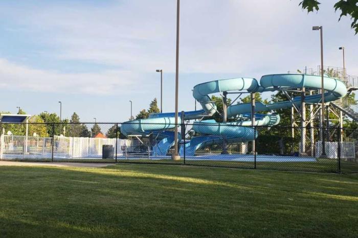 Poisonous Chlorine Gas Envelopes Children at Public Pool, Dozens Hospitalized