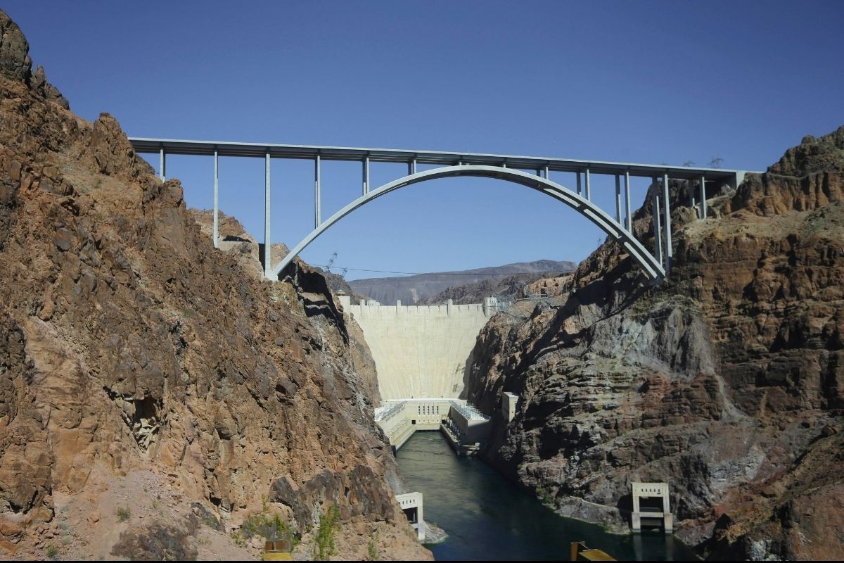 Are Bodies Really Buried Under the Hoover Dam?