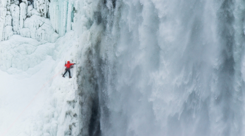 Man Survives Niagara Falls Plunge With Non-Life Threatening Injuries