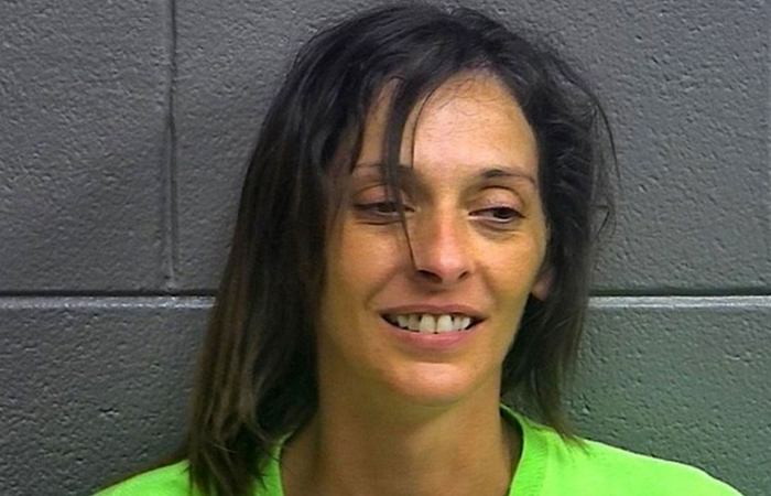 Woman in Need of Alcohol Breaks Into Bar, Gets Caught By Employees The Next Morning