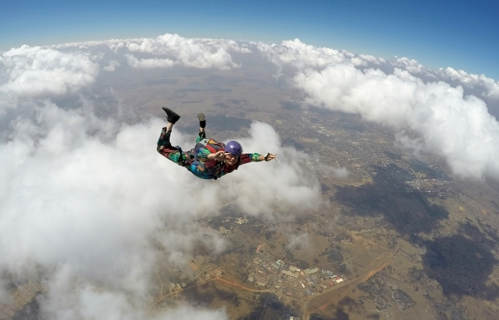 Woman Survives 5,000 Feet Fall After Parachute Fails to Open