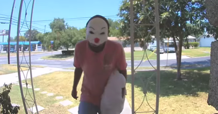 Terrifying Clown Man Caught on Camera Attempting to Break into Home