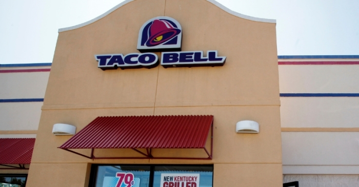 Couple Sues Taco Bell For Overcharging Them $2.18 for Chalupas