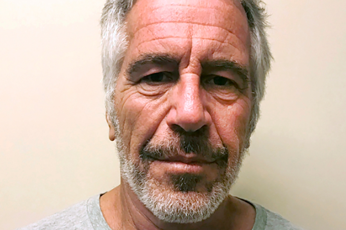 As Jeffrey Epstein Died Prison Guards Were Online Shopping and Sleeping
