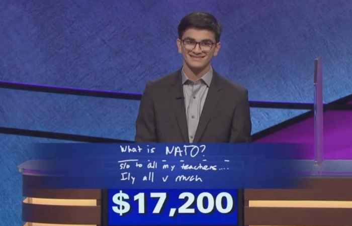 'Jeapordy' Winner Donates $10,000 to Cancer Research in Alex Trebek's Honor