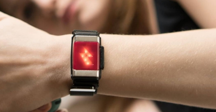 This Bracelet Will Shock You For Spending Too Much Money on Unhealthy Food