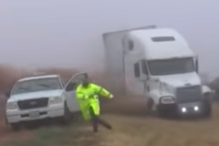 Blinded 18 Wheeler Plows into Police Guiding Traffic Through Fog