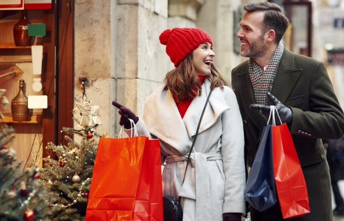 Christmas Day 2019: These Stores Are Open (Even on Christmas Eve)