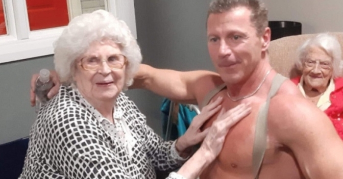 89-Year-Old Nursing Home Resident Gets Male Stripper for Christmas