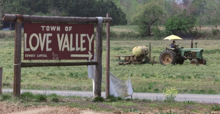 North Carolina's Hidden Town is Straight Out of the Old West