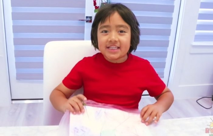 An 8-Year-Old Made $26 MILLION This Year Reviewing Toys on YouTube