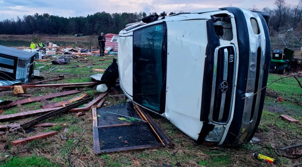 11 Dead After Storms Smash Midwest, Southeast