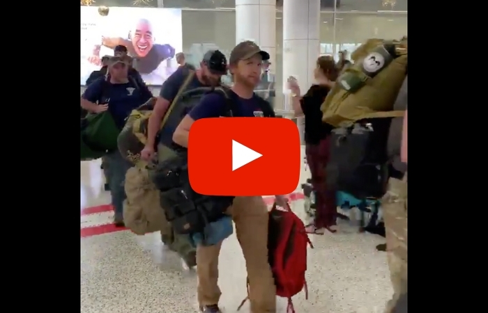 U.S. Firefighters Greeted With Applause as They Arrive to Fight Australia's Wildfires