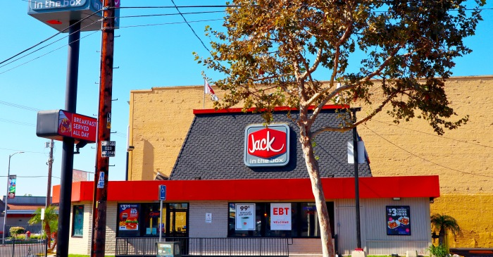 "Annoyed Jack in the Box Cashier Tells Robber ""You're not robbing sh*t"""