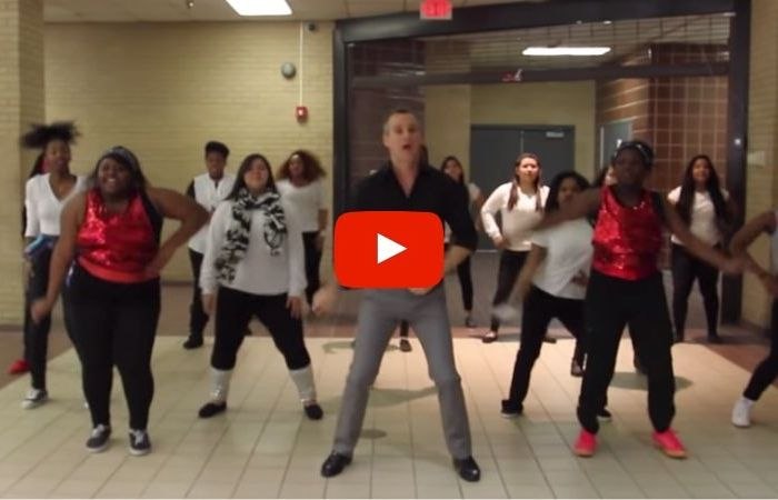 "Texas Teacher Creates Hilarious Music Video Of ""Uptown Funk"" With His Students"